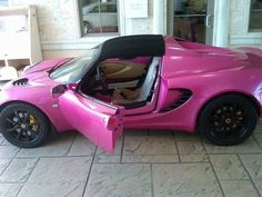 Lotus Elise... This is my dream car! I want this car so bad