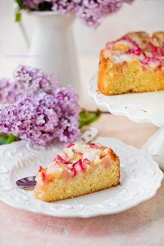 Ciasto cytrynowe z rabarbarem Lemon Icing, Rhubarb Cake, Cake Tins, Food Cakes, Cake Batter, Tart, Blueberry, Cake Recipes, Raspberry