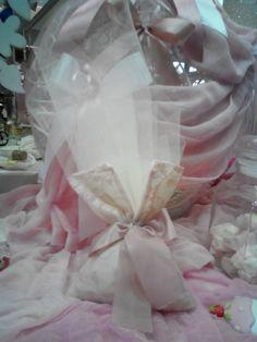 Μπομπονιέρα γάμου vintage με δαντέλα και τούλι στο χρώμα του σάπιου μήλου δεμένη με κορδελίτσα... Vintage, Vintage Comics