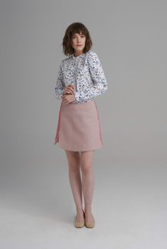Two toned short wool skirt with a small curved side slit. Anna, Wool Skirts, High Neck Dress, Terrazzo, Style, Dresses, Fashion, Turtleneck Dress, Swag