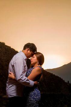¿Necesitas ideas para este 14 de febrero? Tenemos las mejores- #Matrimoniocompe #Matrimonio #Amor #Romantico #Couple #Cutecouple #Pareja #Novios #RecienCasados #SanValentin #ValentinesDay #14deFebrero Article Search, Couple Photos, Couples, Ideas, Saints, Amor, February, Valentines, Boyfriends