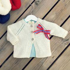 """Oppskrift på Rask babyjakke fra boken """"Strikk meir til nøstebarn"""". Instagram Posts, Sweaters, Fashion, Moda, Fashion Styles, Sweater, Fashion Illustrations, Sweatshirts, Pullover Sweaters"""