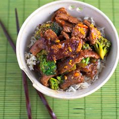{Light} Orange Beef and Broccoli // SO GOOD.  There was actually a LOT of sauce (maybe because my oranges were so juicy), too, which was nice!