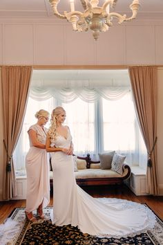 Exceptional wedding photography services in Brisbane, find the best award winning wedding photographer, get your dream wedding photos at Evernew Studio. Photography Services, Brisbane, Wedding Photos, Dream Wedding, Wedding Photography, Studio, Home Decor, Marriage Pictures, Wedding Shot