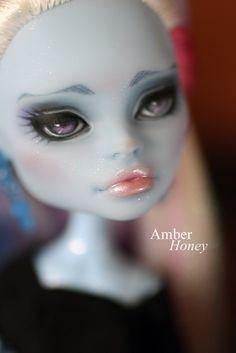 Abbey repaint - lips by ~Amber-Honey on deviantART