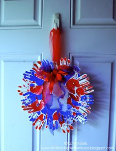 Adventures of an Art Teacher: DIT of July Toddler handprint wreath Patriotic Crafts, July Crafts, Crafts To Do, Crafts For Kids, Arts And Crafts, Patriotic Wreath, Toddler Art, Toddler Crafts, Holiday Activities