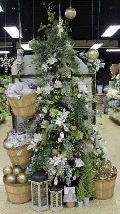 a57434c3acef7 24 Best Unforgettable Flowers shop displays images in 2019