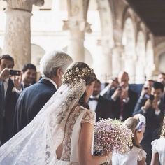 romantic cathedral veil and gold crown