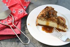 Kardea Brown's Big Apple Crumb Cheesecake is the Dessert You Deserve Right Now Apple Crumb Cheesecake, Cheesecake Recipes, Cheesecake Cupcakes, Food Network Recipes, Food Processor Recipes, Cooking Recipes, Kitchen Recipes, Peru, A Food