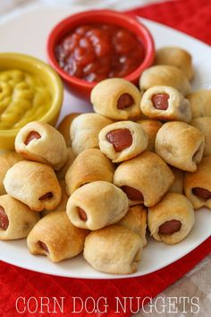 Hot Dog Nuggets - it's the family's new favorite recipe! It's simple, delicious and is perfect for lunch, dinner or even a party!