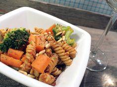 Veganmisjonen: Fusilli med rød pesto, brokkoli og gulrot
