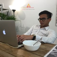 [noun] Chief Growth Hacker: A person whom responsible to analyze all technical aspects of marketing campaigns. Also, a guy who loves soup too much 😂 Online Marketing, Social Media Marketing, Digital Marketing, A Guy Who, Competitor Analysis, Entrepreneurship, Seo, Motivational, Web Design