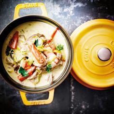C'est l'un des grands classiques de la cuisine française, servi généralement avec du riz. De nombreuses variantes existent pour…