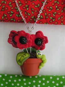 flower pot polymer clay pendant by www.boutonsbobines.com