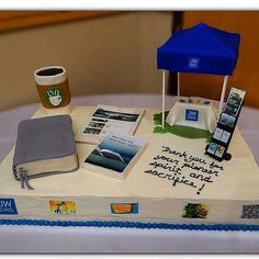 @kuzcogomez tells us: A dear sister made this cake with so much love for Regular Pioneers in Holland Michigan Congregation. All edible! #jw_servants