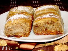 diós rétes stories and pictures at blikkruzs. Sweet Cookies, Cake Cookies, Good Food, Yummy Food, Romanian Food, Hungarian Recipes, Food Cakes, Winter Food, No Bake Desserts