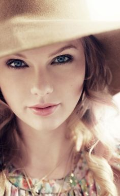 Taylor Swift ♥   GO. BACK. TO. THIS. LOOK. Even wavy hair looks better than STICK. STRAIGHT. At least to me, and for Taylor Swift.