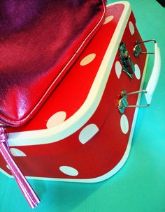 I want red polka dot #vintage luggage YES #PimpiStyle