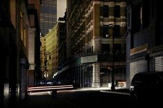 New York in Black — Christophe Jacrot, on Creative Journal: a showcase of inspiring design, art, architecture and photography. Saul Leiter, Christophe Jacrot, Photographie New York, Elliott Erwitt, Creative Journal, Photography Contests, Street Photographers, Japanese Artists, Cinematography