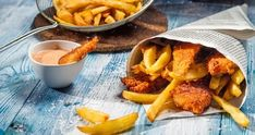 Fish and chips er britisk favoritt British Fish And Chips, Best Fish And Chips, Homemade Fish And Chips, Best Smoked Salmon, High Cholesterol Diet, Cholesterol Levels, Fish Bites, Eating Fast, Pub