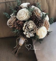 Pine Cone Art, Pine Cone Crafts, Pine Cone Decorations, Pinecone Wedding Decorations, Pinecone Decor, Pinecone Bouquet, Decorating With Pine Cones, Flowers Decoration, Winter Bouquet