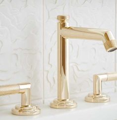 KALLISTA offers luxury designer faucets and fixtures in a variety of traditional, transitional and modern to outfit any bathroom or kitchen.