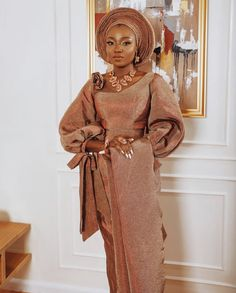 Monotone Asooke looks for Yoruba brides to be. African Wedding Attire, African Weddings, African Attire, African Traditional Wedding Dress, Traditional Wedding Attire, Latest African Fashion Dresses, African Print Fashion, Yoruba Wedding, Nigerian Bride
