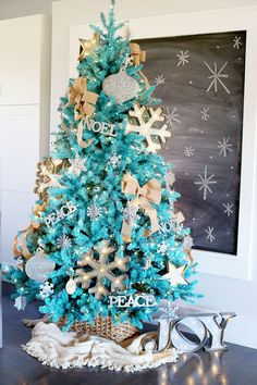 Blue Christmas Tree - ELLEDecor.com