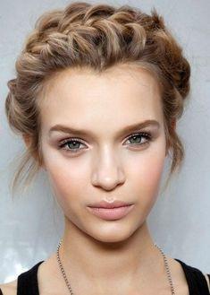 La Meilleure Façon Pour Coiffer Vos Cheveux Courts Dans les Occasions Spéciales | Coiffure simple et facile
