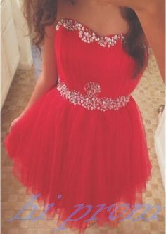 Simple Prom Dresses, red homecoming dress tulle homecoming dresses cute homecoming gowns strapless prom dress short prom dresses sweet 16 dress 2018 style homecoming dresses for teens Strapless Homecoming Dresses, Elegant Bridesmaid Dresses, Cute Prom Dresses, Prom Dress Stores, Sweet 16 Dresses, Plus Size Prom Dresses, Tulle Prom Dress, Sweet Dress, Dresses For Teens