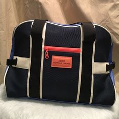 b7e691977771 LORNA JANE GYM BAG OVERNIGHT TOTE DUFFLE Authentic Lorna Jane Gym duffle.  Periwinkle blue with