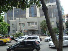 Tribunal Regional Eleitoral, em frente à Praça Cívica, Centro.