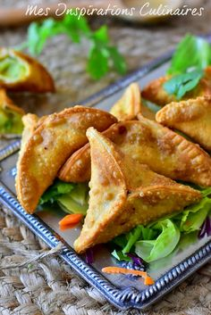 Samoussa indienne, végétarien Veggie Recipes, Indian Food Recipes, Vegetarian Recipes, Cooking Recipes, Healthy Recipes, Chinese Recipes, Empanadas, Indian Snacks, Indian Dishes