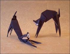 Origami Cats and the books showing you how to make them. Learn more on Gilad's Origami Page. Kirigami, Quilling Paper Craft, Paper Crafts Origami, Origami Usa, Origami Turtle, Animal Gato, Cat Crafts, Geek Crafts, Origami Animals