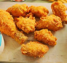 Kfc, Yummy Food, Tasty, Chicken Drumsticks, Chicken Wraps, Arabic Food, Food 52, Bacon, Food And Drink