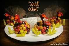 Turkey party favors with reeses pieces and pipe cleaners