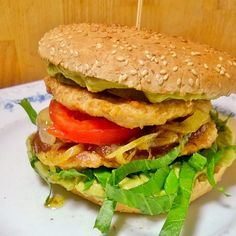 Sydänystävällinen #kana#hampurilainen #guacamole :lla. #hamburger #Chicken #healthy #terveys #terveellinen #hamburgare #nyttig #kyckling #kycklingburgare #instafood #food #foodgeek #foodgasm #foodie #foodblogger #foodblog #foodpic #foodporn #foodshare #instagood #foodlover #ruokablogi #ruoka #herkkusuu #Lautasella #purilainen #nelkytplusblogit