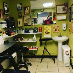 My new work station at Geneius Tattoos Dream Tattoos, Life Tattoos, Tattoos Shops, Tattoo Shop Decor, Tattoo Studio Interior, Tattoo Station, Tattoo Portfolio, Tattoo Equipment, Tattoo Parlors