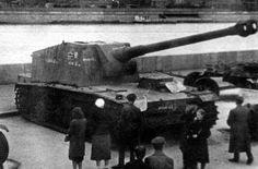 """Captured VK3001 (H) 12.8cm Selbstfahrlafette L/61 (Panzerselbstfahrlafette V) """"Sturer Emil"""""""