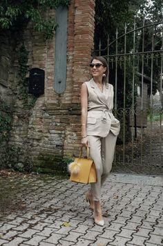 Office look, neta efrati suit, loristella bag, cristina surdu | Welcome to my world