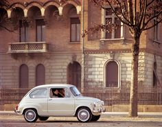 The Fiat 600 is the vehicle that started the mass motorization in Italy.
