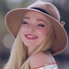 Hey, I'm Lyra Oakley. I'm the ultimate fangirl. I'm a lesbian, but I know that One Direction is a gift from the gods. I'm very charismatic. ((Dove Cameron and Doe Deere/Tyler Oakley))