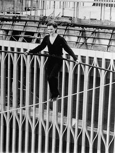 August World Trade Center, NYC - Tightrope walker Philippe Petit successfully traverses a rope from one tower to the other -- more than half a dozen times in succession World Trade Center Nyc, Trade Centre, 40 Years Ago Today, 11. September, Philippe, Top Of The World, Historical Photos, New York City, Skyscraper