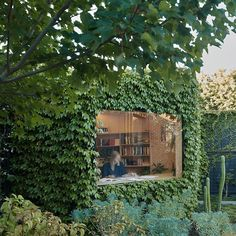 "18.4 k gilla-markeringar, 61 kommentarer - Dezeen (@dezeen) på Instagram: ""Houses with garden studios are ideal places for working from home during the coronavirus pandemic.…"""