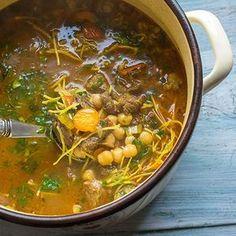 Marocká polévka Harira - recept krok 7 Nail Polish Designs, Korn, Fondant, Chili, Curry, Food And Drink, Ethnic Recipes, Soups, Diet