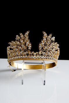Antique crown #crowns #antiquecrowns