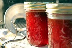 The Hen Basket: Strawberry Jam (using frozen strawberries)