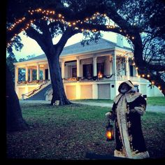Christmas at Beauvoir, Biloxi Mississippi--- NOT one of my favorite places by any stretch of the imagination but I cannot deny that there are some very charming little towns up & down the MS Gulf Coast