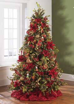 December Dreams Christmas Tree Theme