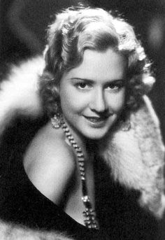 Mae Clarke Appeared with James Cagney in Public Enemy. She is the girl who got the grapefruit in the face. Old Hollywood Glamour, Hollywood Actor, Golden Age Of Hollywood, Hollywood Stars, Hollywood Actresses, Actors & Actresses, Classic Hollywood, Divas, Hollaback Girl